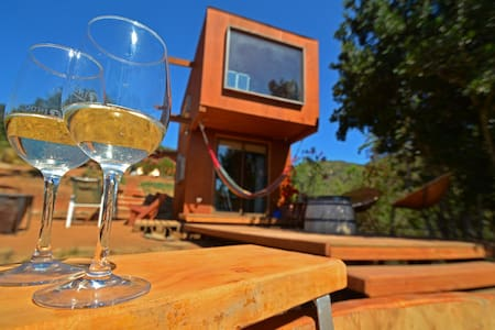 WINE VALLEY CASABLANCA , TINYHOUSE+ HOT TUB+RELAX