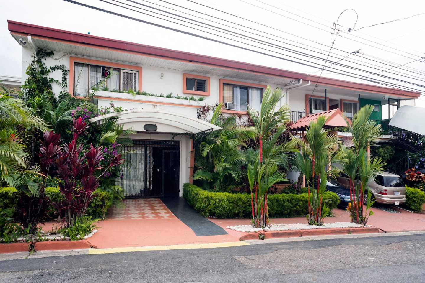 The Place to be - Casa Lima B&B