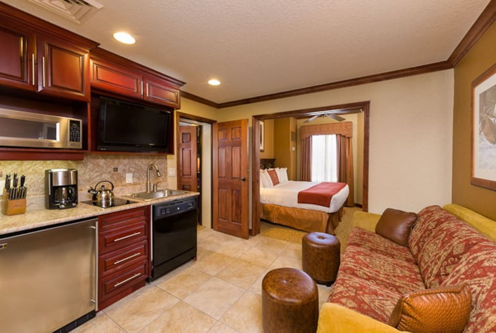 Luxury Suite with king bed and queen sleeper sofa