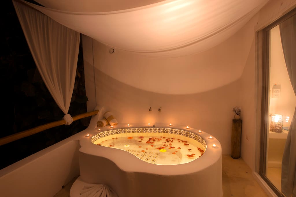 Your own private hot tub, very romantic!