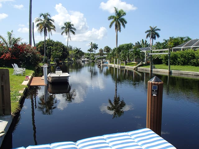 Bicycles and Boating! -- Home on River waterfront! - Naples - Dom