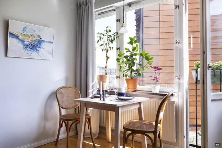 Cozy studio apartment close to city and Karolinska