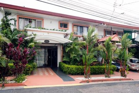 Casa Lima B&B Best Rates! - San Jose - Bed & Breakfast