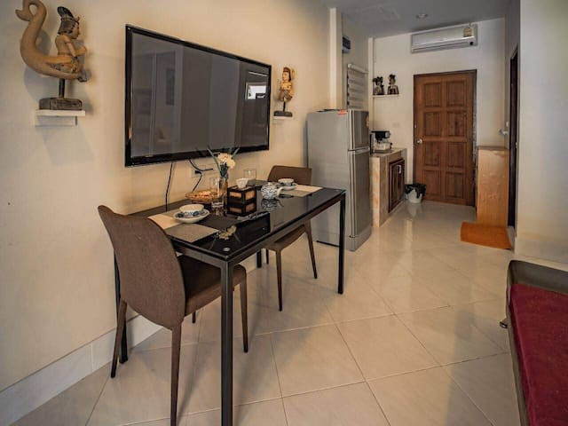 4.Sweet bungalow  Monthly have kitchen, share pool