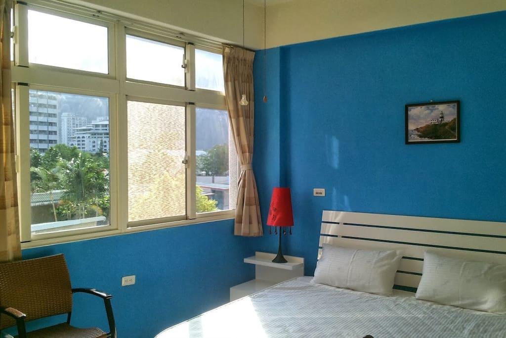 302藍外景雙人房