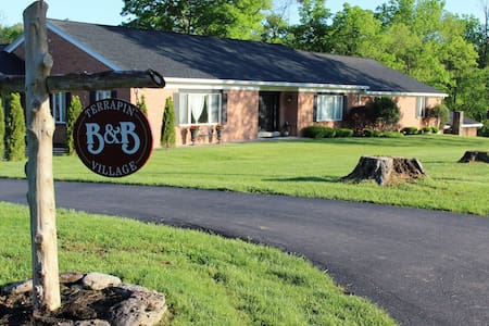 Terrapin Village B&B; 3 Suites - Oregonia - Bed & Breakfast