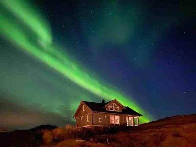 Lofoten. Ny hytte på vakre Gimsøy.