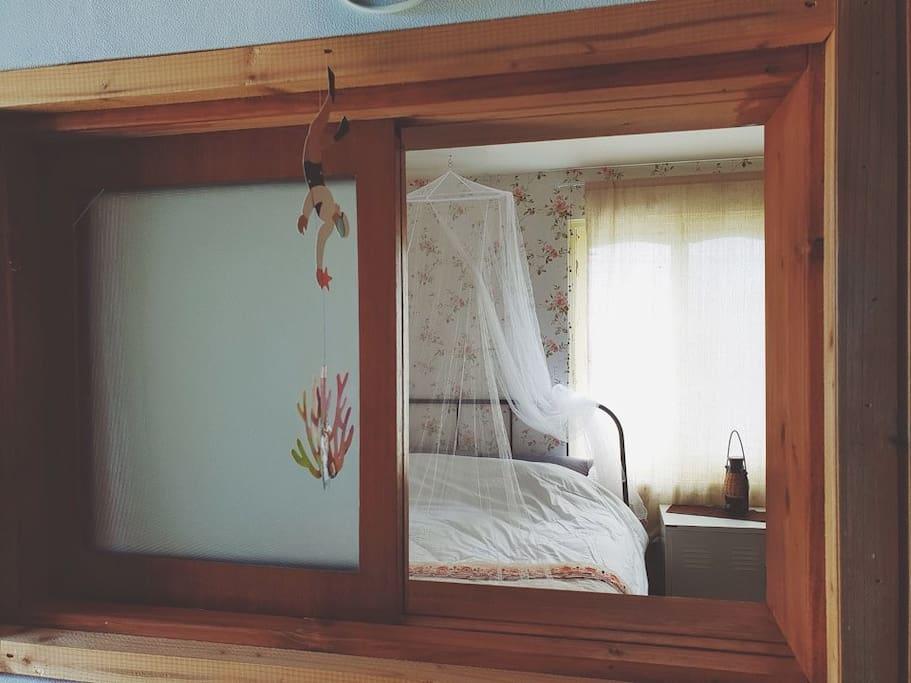 주방에서본 침실 뷰