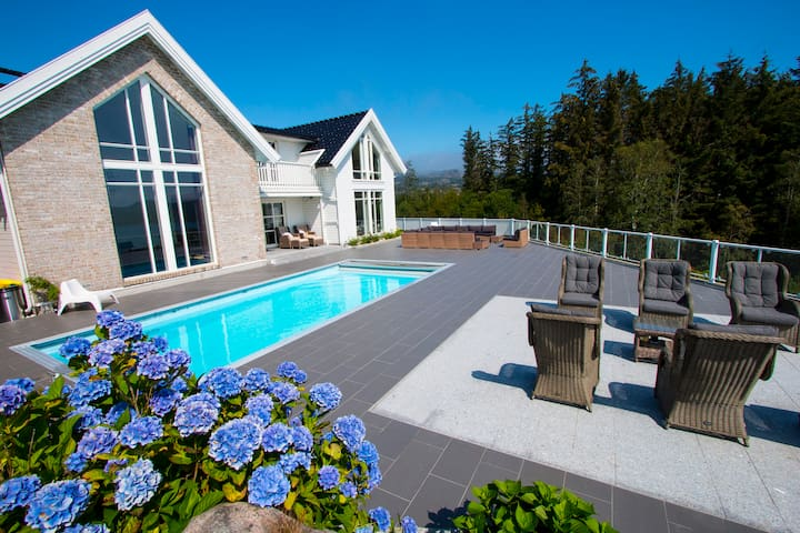 Lindesnes most luxurious Villa with svimmingpool