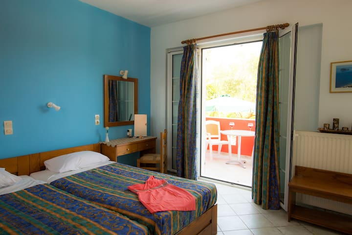 B&B in the heart of Laganas - Laganas - Bed & Breakfast