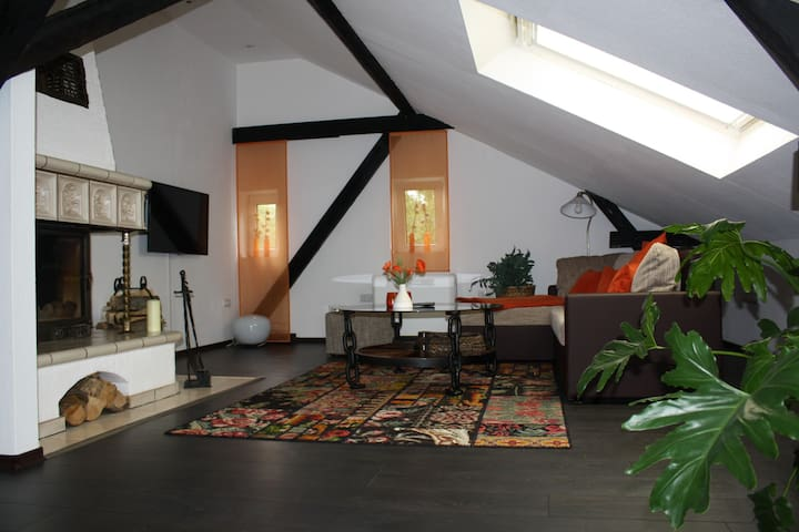 Lovingly renovated coach house - Dormagen - House