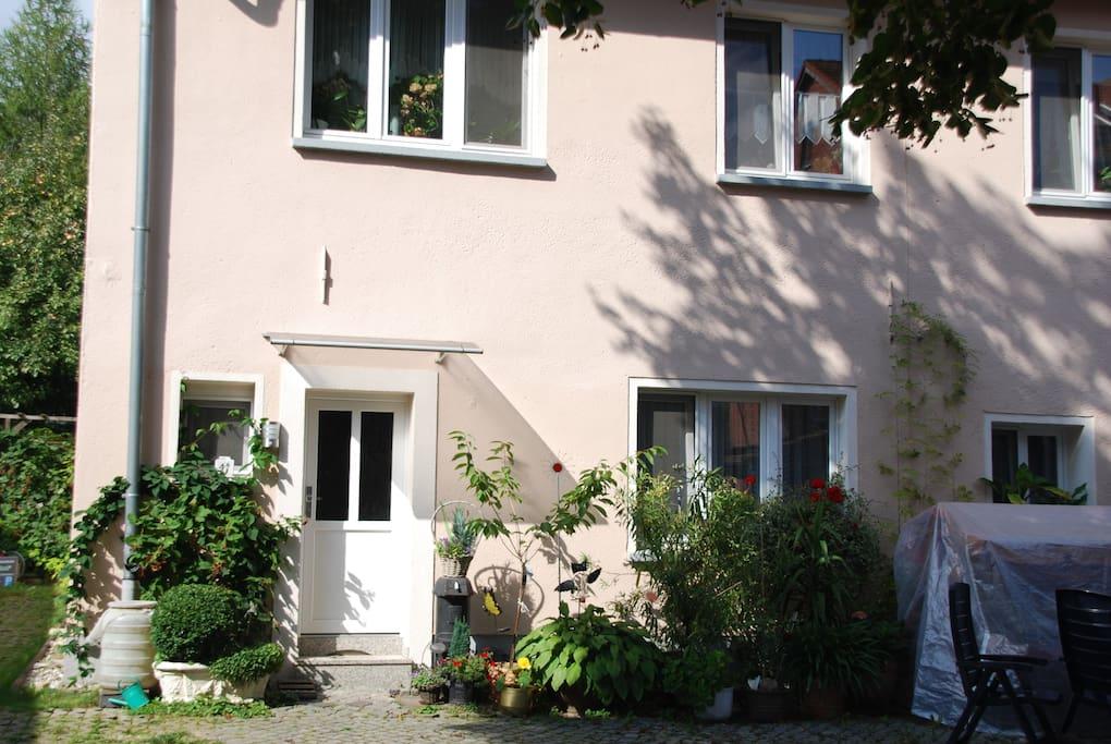 Außenansicht-Eingang kleine Ferienwohnung (4P)