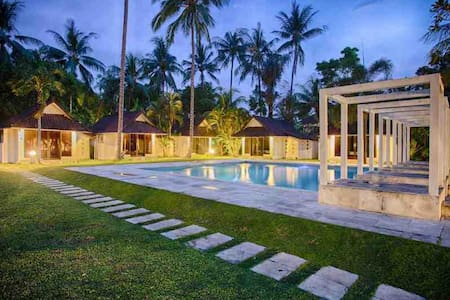 Cheap cottage in candidasa - Manggis - Bed & Breakfast