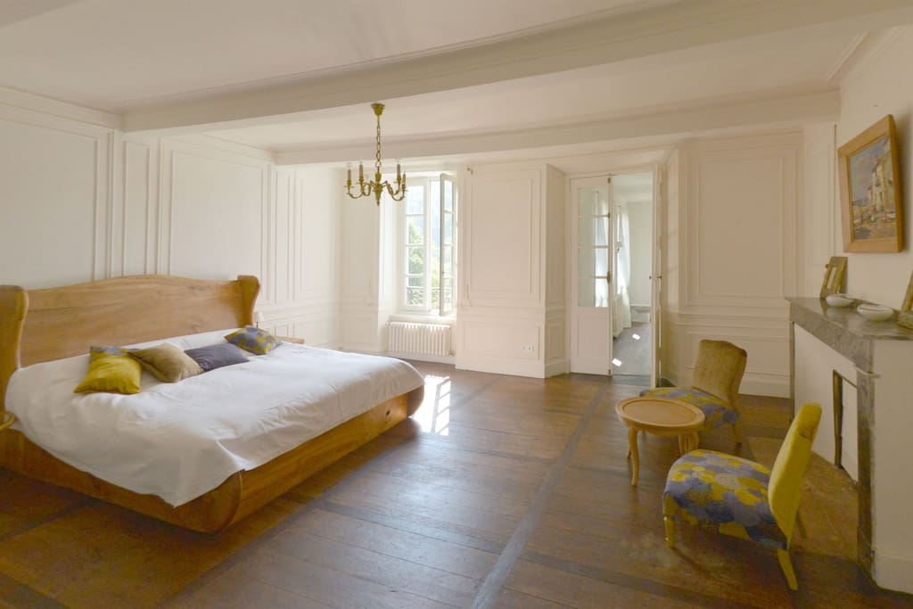 chambre lydia chambres d 39 h tes louer castillon en couserans midi pyr n es france. Black Bedroom Furniture Sets. Home Design Ideas