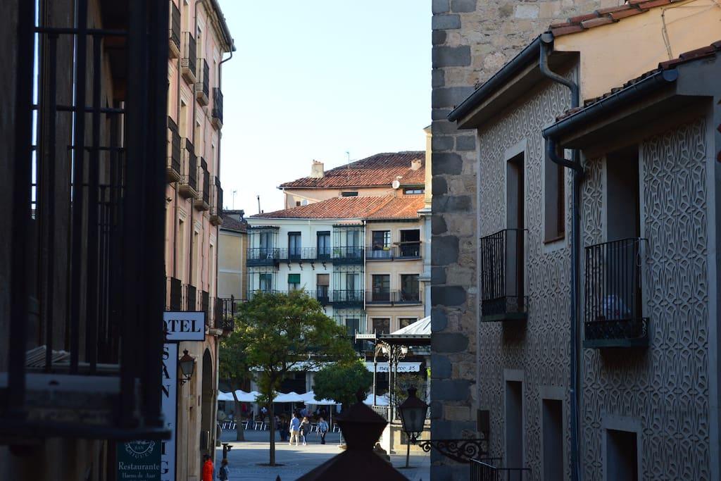 Distancia real a la Plaza Mayor (un minuto andando)