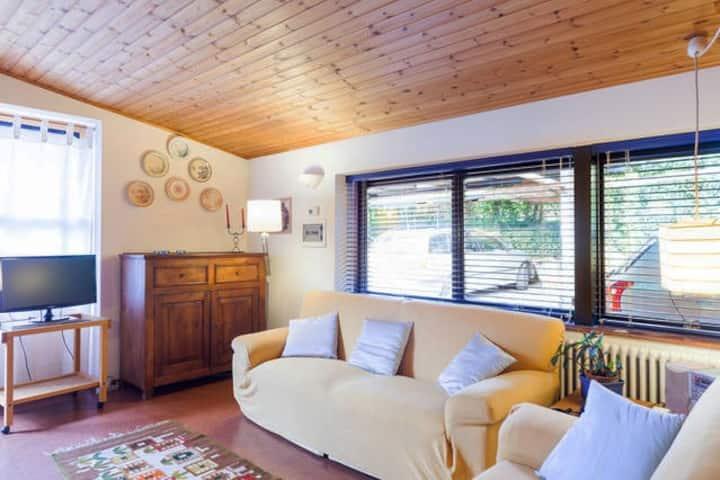 La Rosa Appart.to in villa con piscina-M0240060010