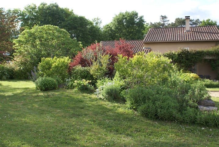 1 Chambre double ( 1 lit de 2 pers) - Sarliac-sur-l'Isle - ที่พักพร้อมอาหารเช้า