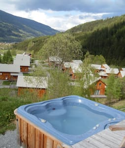 Luxe Chalet met jacuzzi - Paal