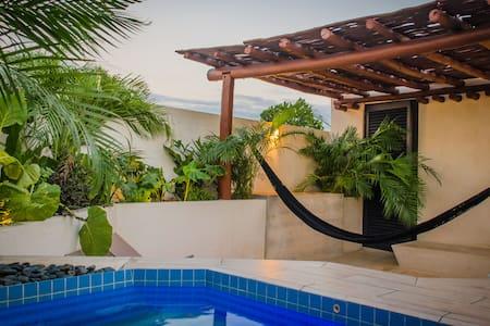 B59-NEW PETITE & DESIGN STUDIO W/ ROOFTOP PLUNGE - Mérida - Apartament