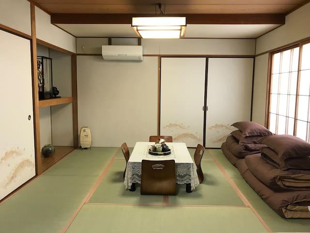Guest House017(4階)阿波踊り演舞場1分♪無料駐車場あり、広々2LDK貸切、最大8名!