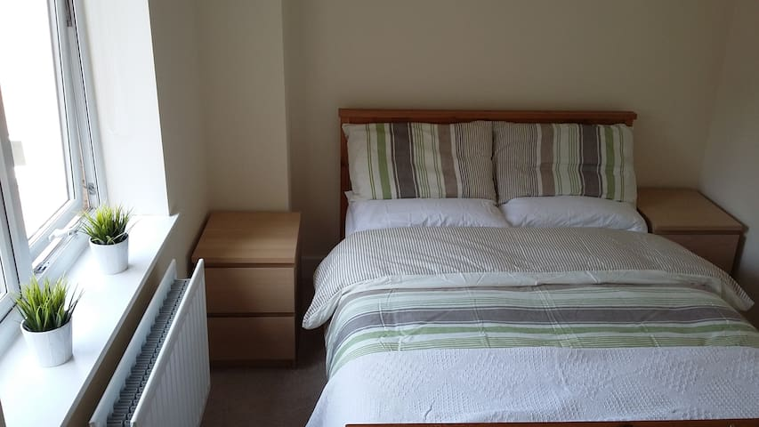 Double room in warm friendly home