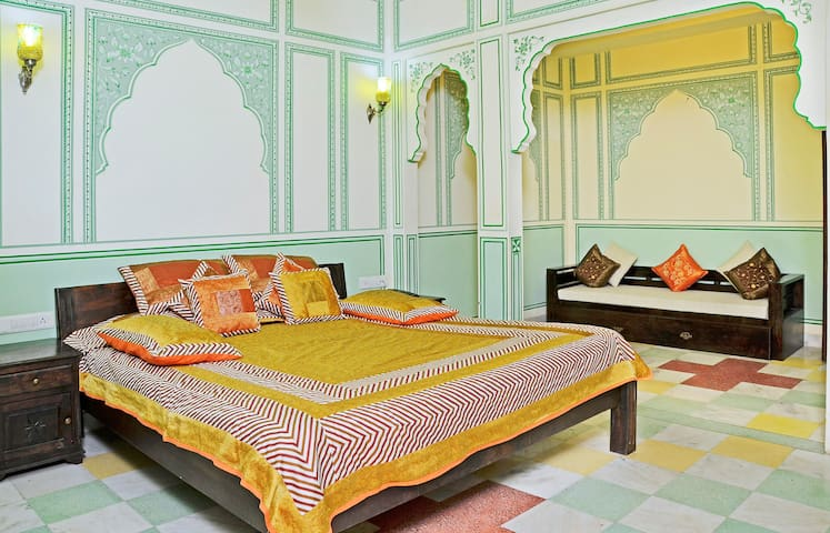 Jodhpur, the sun city Suite at Hawa Sarak Jaipur