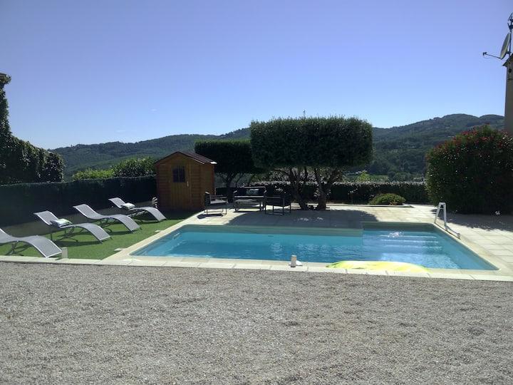 Villa de 140 m2, lumineuse et climatisée, 8 pers.
