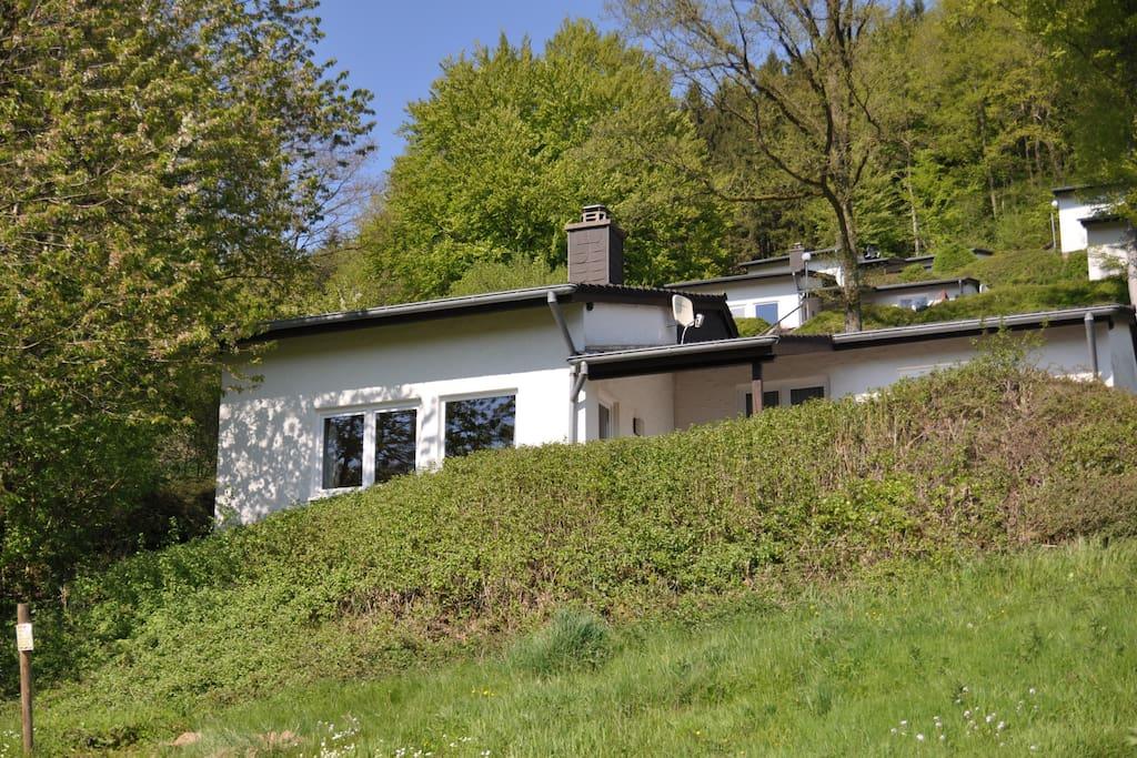eifel landhaus seeblick bungalows zur miete in biersdorf am see rheinland pfalz deutschland. Black Bedroom Furniture Sets. Home Design Ideas