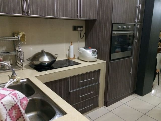 Luxury Homestay Kota Kinabalu - Kota Kinabalu - Apartament