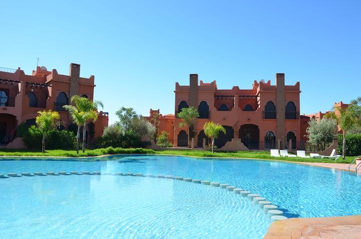 Villa avec jardin et piscine privé