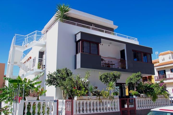 Estrellita - Apartment in einer modernen Villa