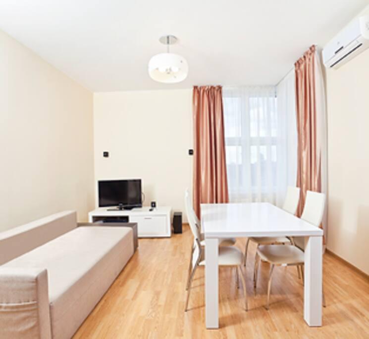 Зал +Кухня и балкон
