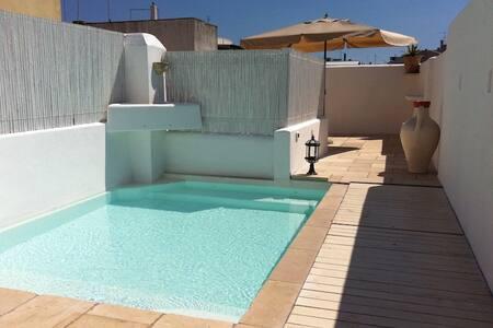 Casa di charm con piscina e jacuzzi - Tiggiano - บ้าน