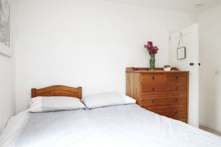Best of both worlds, town & country - Brighton - Bed & Breakfast