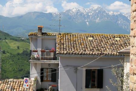 Charming Gueshouse Casa da Carmine - Castiglione Messer Raimondo