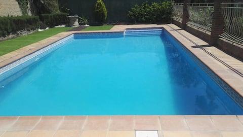 Mediterraan chalet met zwembad