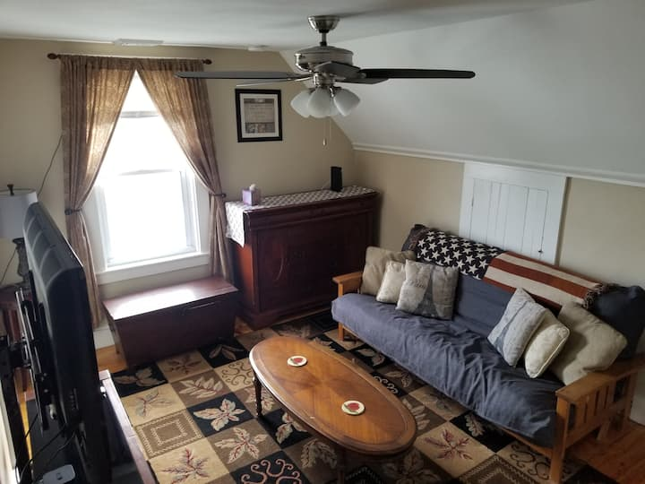 New Renovated Attic Apartment in Downtown Maynard