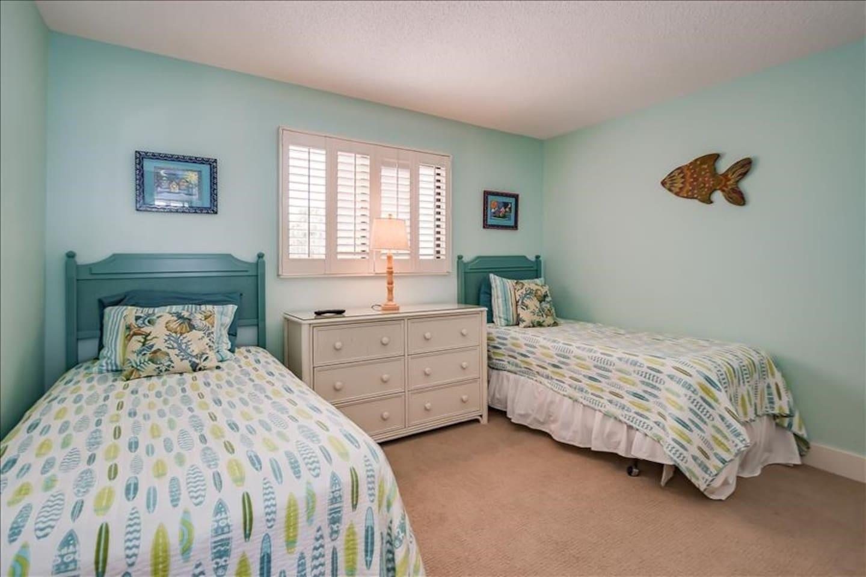 Indoors,Bedroom,Room,Bed,Furniture