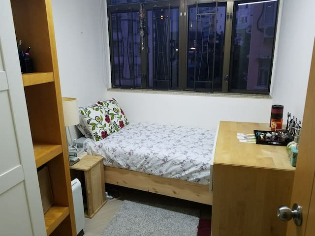 WanChai near Convention centre, great value single