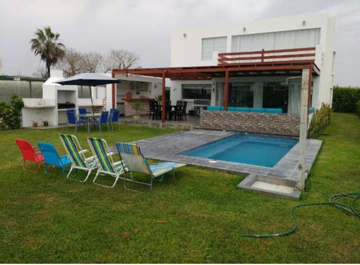 Condominio de playa las Rocas Del Mar, Asia-lima.
