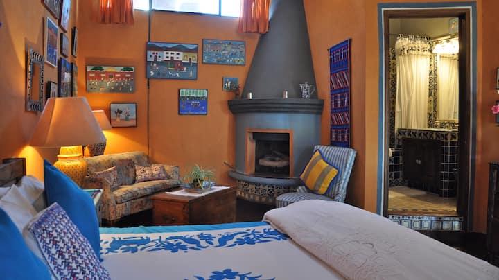 The Roman Lopez Room at Casa de la Cuesta B&B