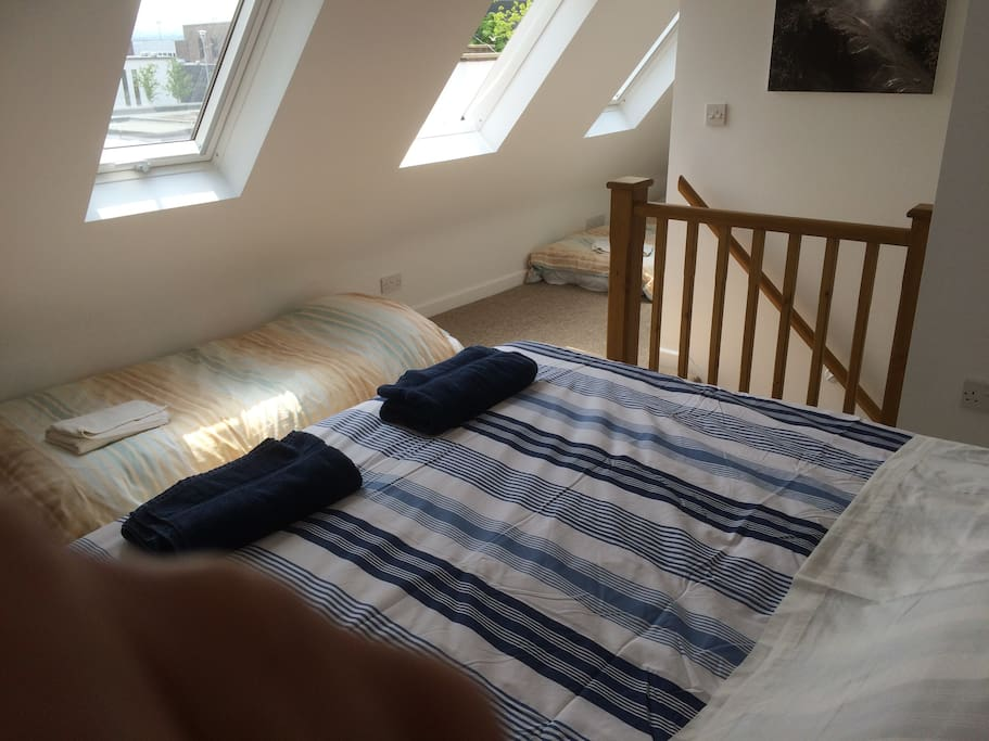 Set up as double room with two air beds.