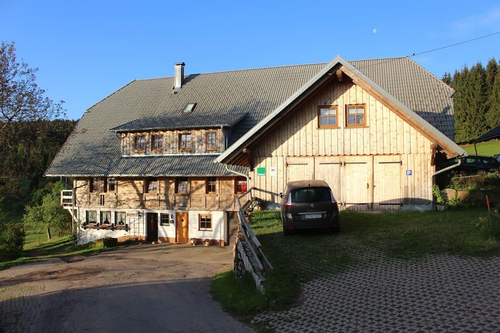 der Sigmundenhof in spring