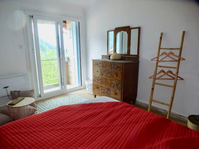 Chambre double & balcon - côté vallée