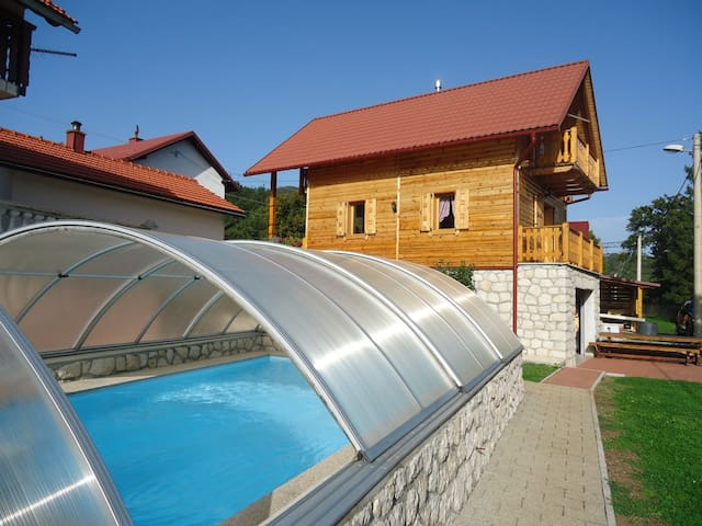 Holiday house Nada2(Pool,Tenis,Gym) - Senj - Hus