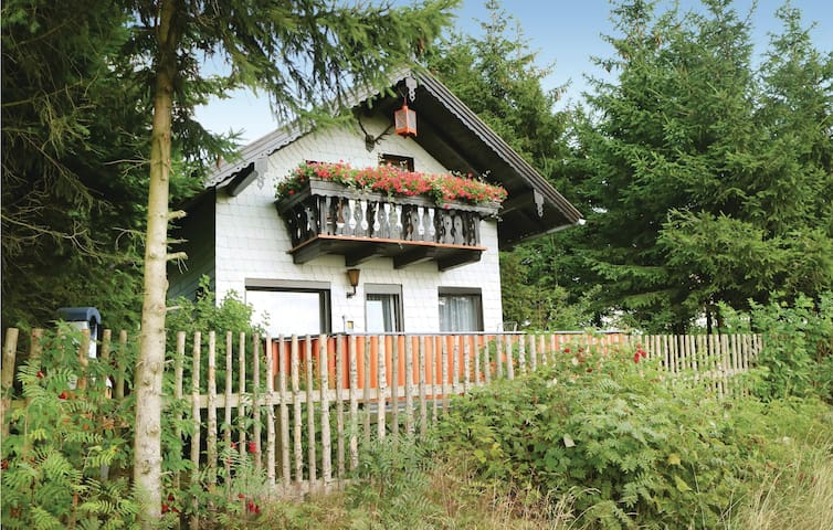 Holiday cottage with 2 bedrooms on 54 m² in Remptendorf