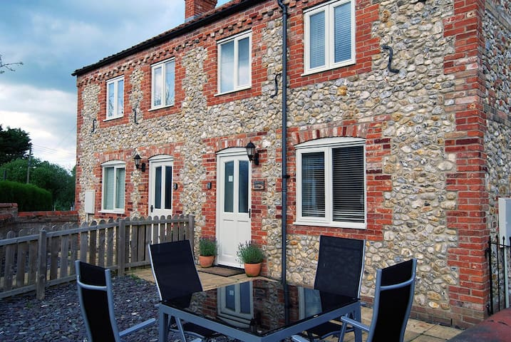 Delightful cottage in North Norfolk - Kings lynn - Hus