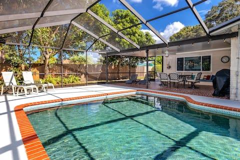 Renovated! Heated Pool, Game Room, Close to Beach!