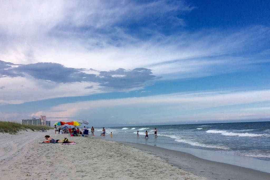Quiet apartment retreat minutes to beaches. - Flats for ...