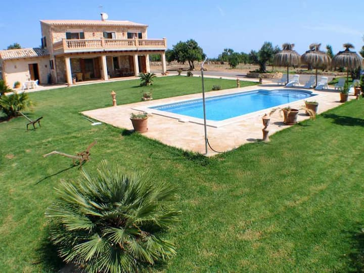 Beautiful country house ideal for families 8 km from the beach and the sea